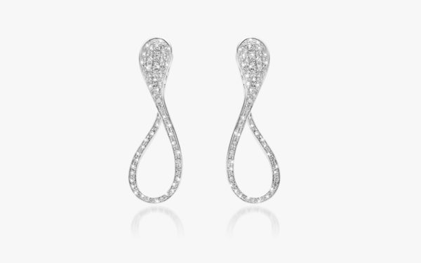 White golden earrings, set with diamonds