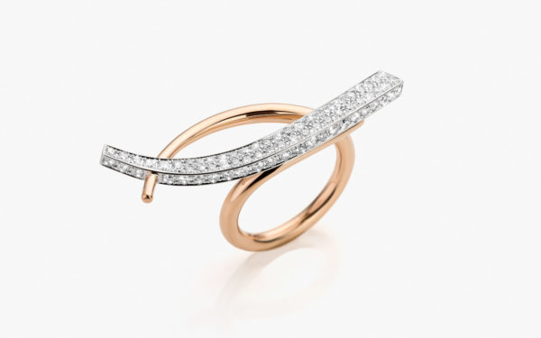 Ring in white and rose gold, set with diamonds