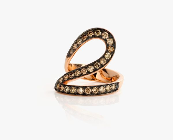 Rose gold ring, with brown pavé diamonds