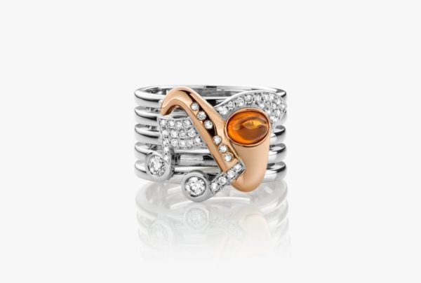 Two-tone ring, set with mandarin garnets and diamonds