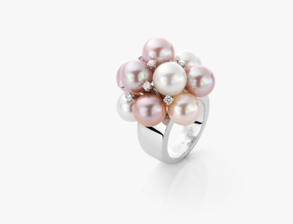 Bague en or blanc, perles eau douce et diamants