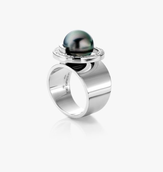 White gold, Tahitian pearl and diamond ring
