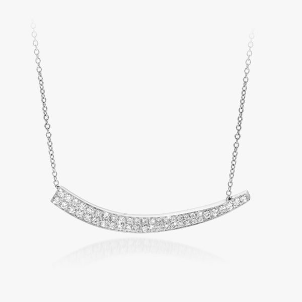 White gold pendant, set with diamonds