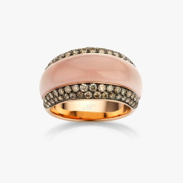 Roodgouden ring gezet met een roze quartz en bruine briljanten
